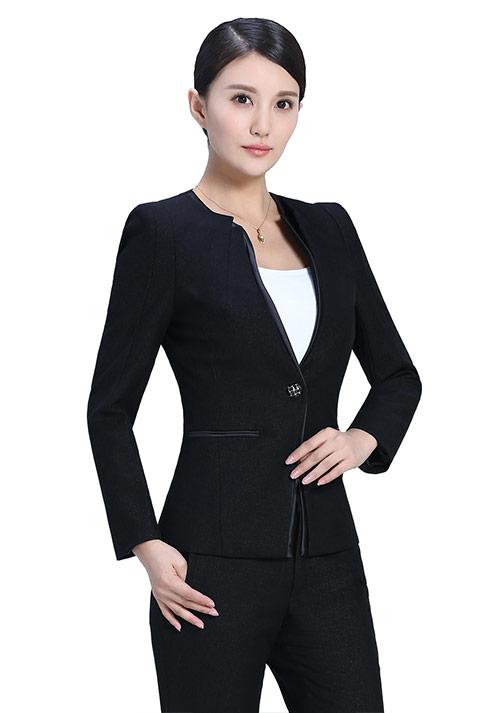 黑色时尚西服