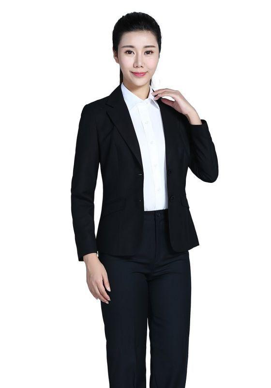 如何让女士西裤穿出个性与时尚?