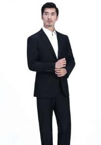 工作服装与男衬衫颜色搭配