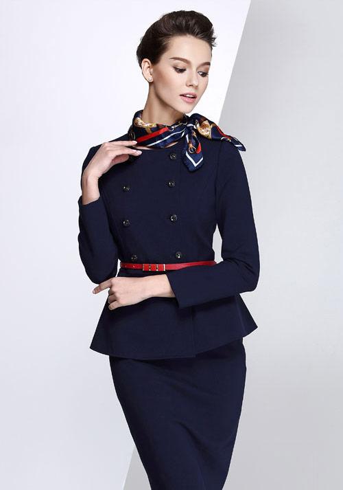 订制商务制服一般选用什么面料以及穿着上有哪些讲究呢?